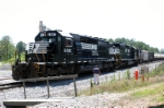 NS 6082 and two units of the McIntyre Switcher working fast to clear mainline on 5-20-06
